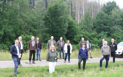 PM Waldbegang der CDU-Kreistagsfraktion mit Politikern, Förstern und Waldbesitzern der Region findet großen Anklang